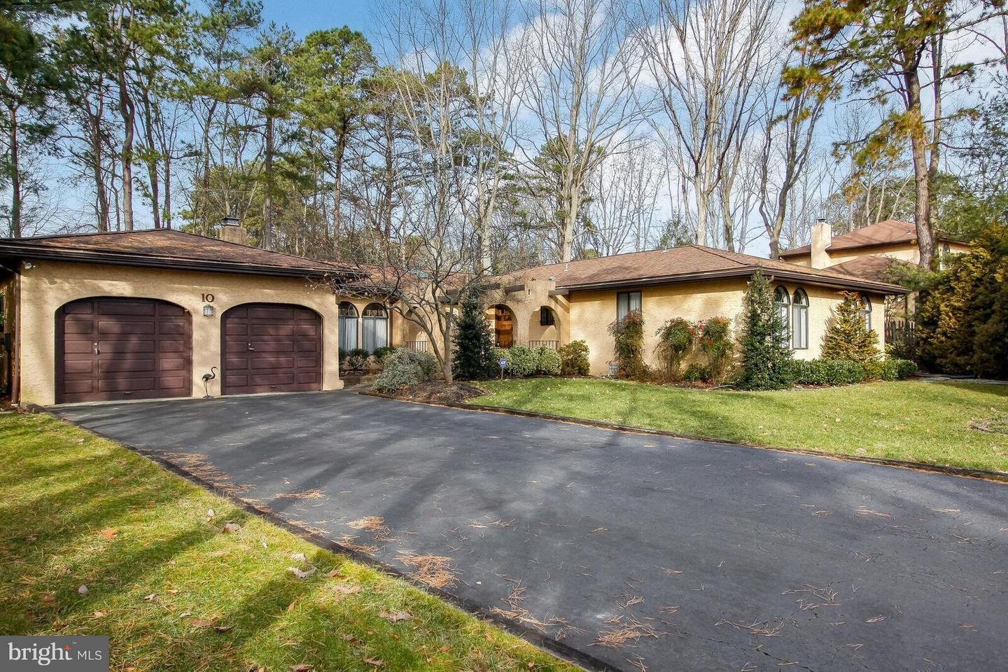 Single Family Home for Sale at 10 BROOKWOOD Drive Voorhees Township, New Jersey 08043 United States