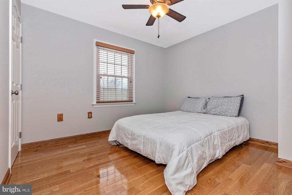 Bedroom 2 - 241 BRAEBURN CIR, WALKERSVILLE