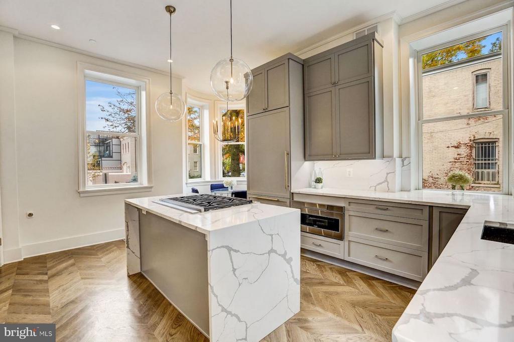 European Appliances and Italian Marble - 1810 15TH ST NW #SOUTH, WASHINGTON