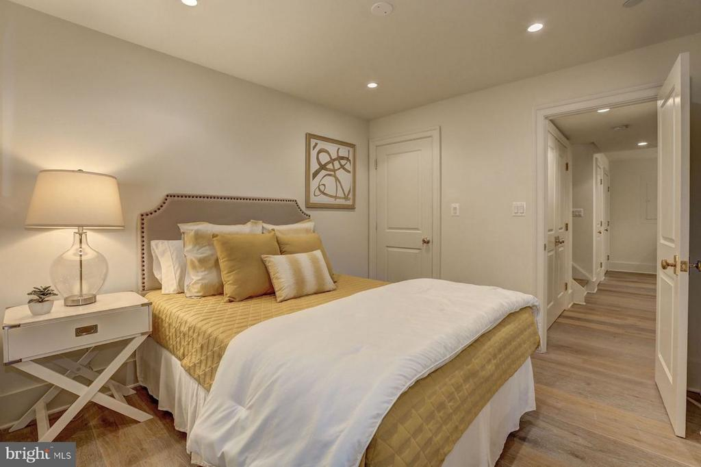 Lower Level Guest Room - 1810 15TH ST NW #SOUTH, WASHINGTON