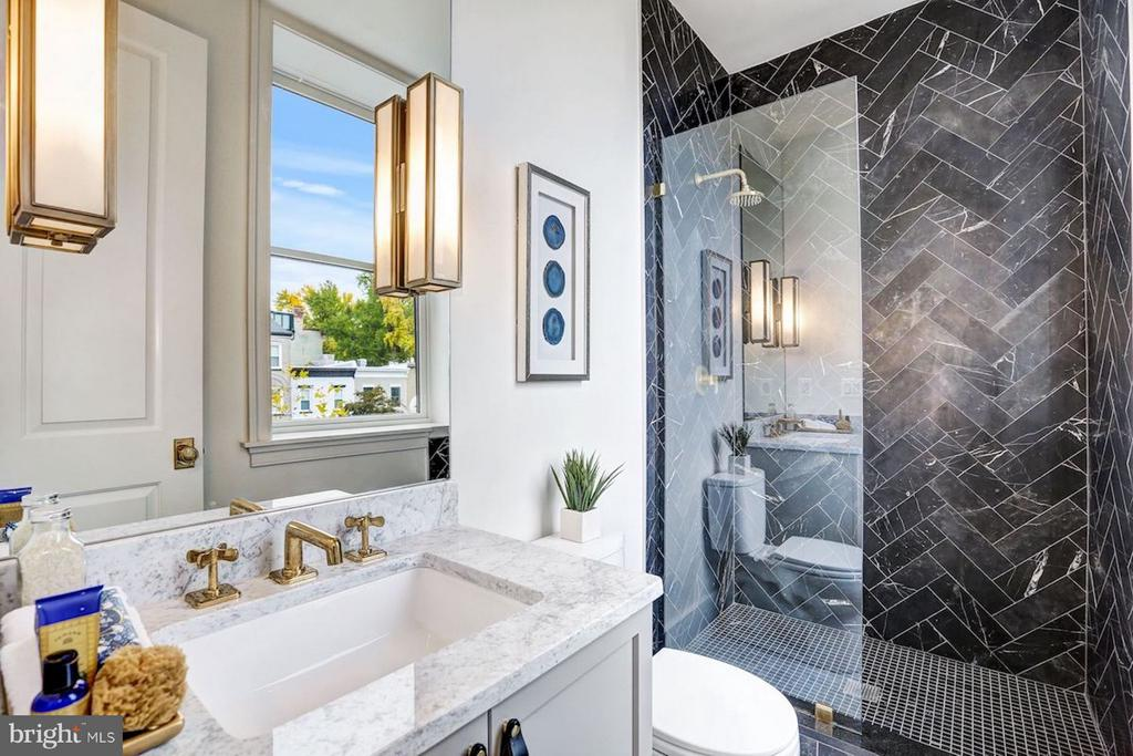 Guest Bathroom with Italian Black Marble Shower - 1810 15TH ST NW #SOUTH, WASHINGTON