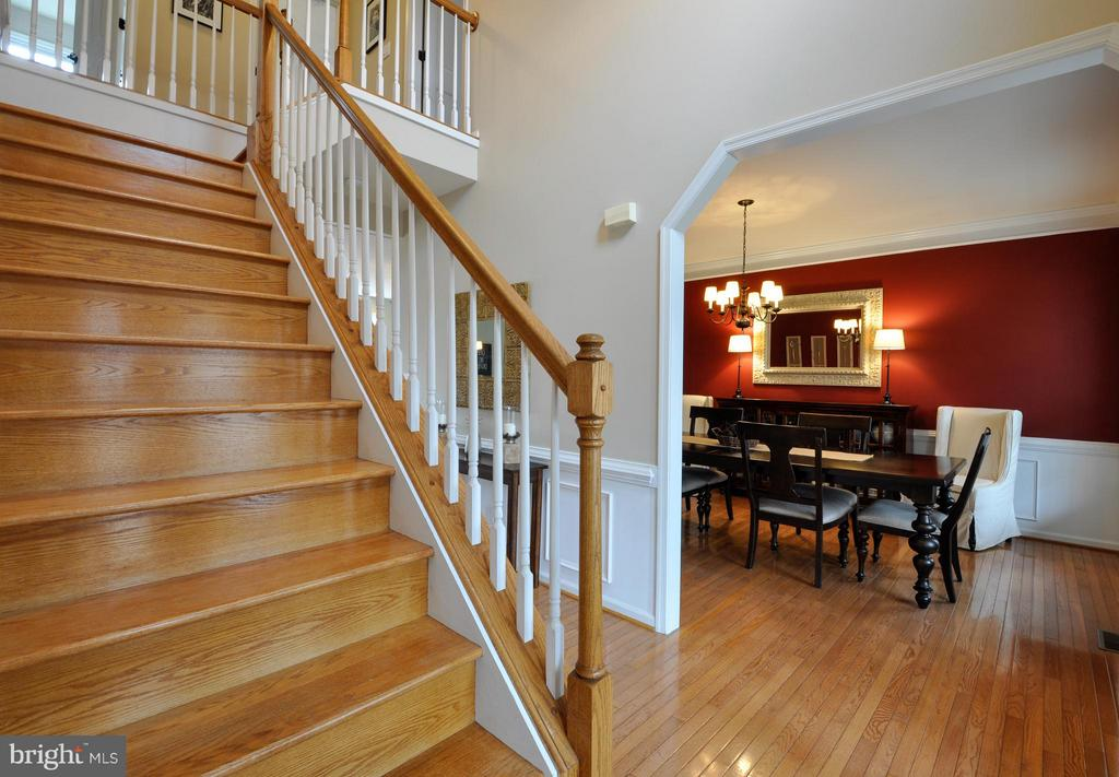 Open foyer with hardwood flooring! - 221 SEQUESTER DR, STAFFORD