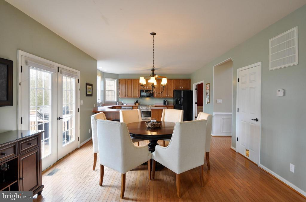 Kitchen dining  with access to deck! - 221 SEQUESTER DR, STAFFORD