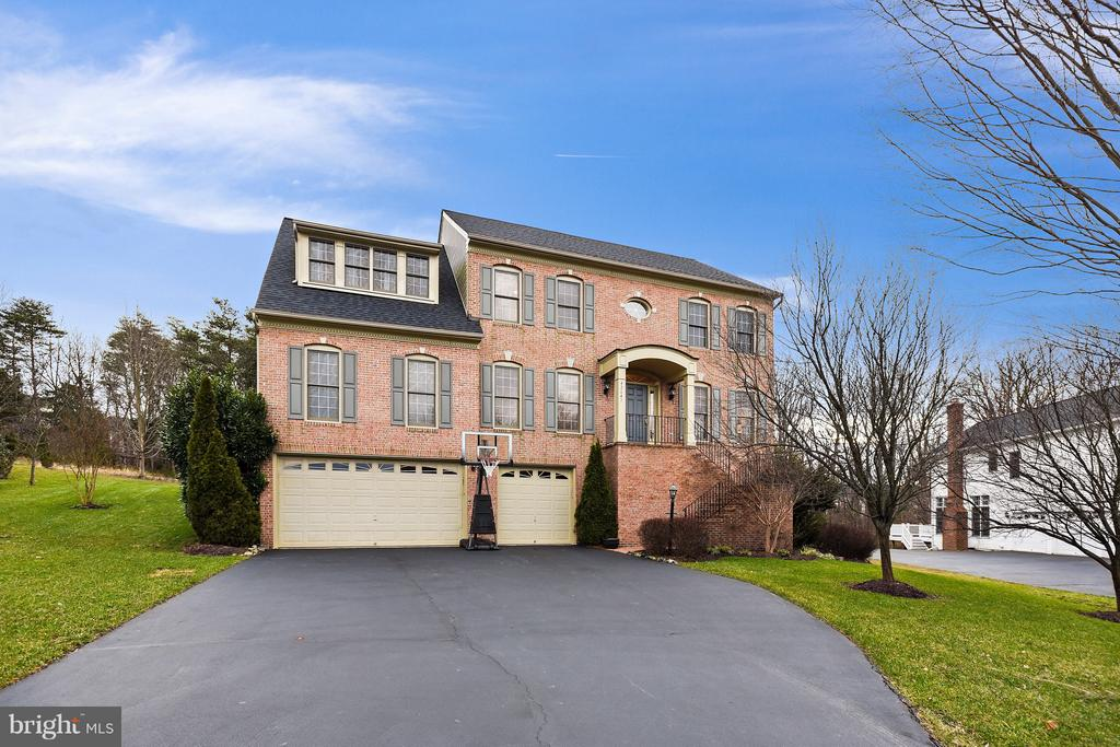 42641  COCHRANS LOCK DRIVE, Ashburn, Virginia