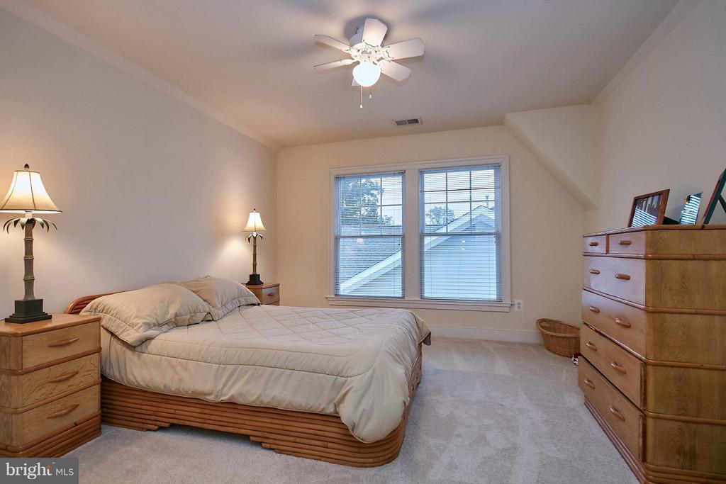 Level 4 bedroom - 7224 FARR ST, ANNANDALE