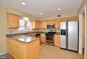 Kitchen w/ Granite & SS - 4555 SHETLAND GREEN RD, ALEXANDRIA