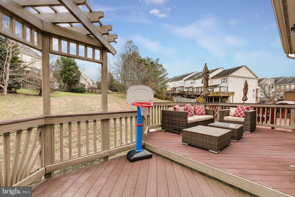 Private 2-Tiered Trex Deck backing to Open Space - 21018 ROAMING SHORES TER, ASHBURN