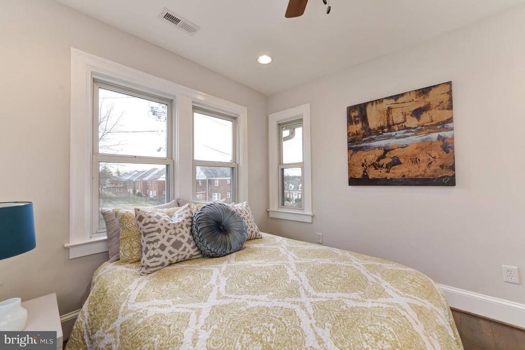 Master Bedroom - 207 UNDERWOOD ST NW, WASHINGTON