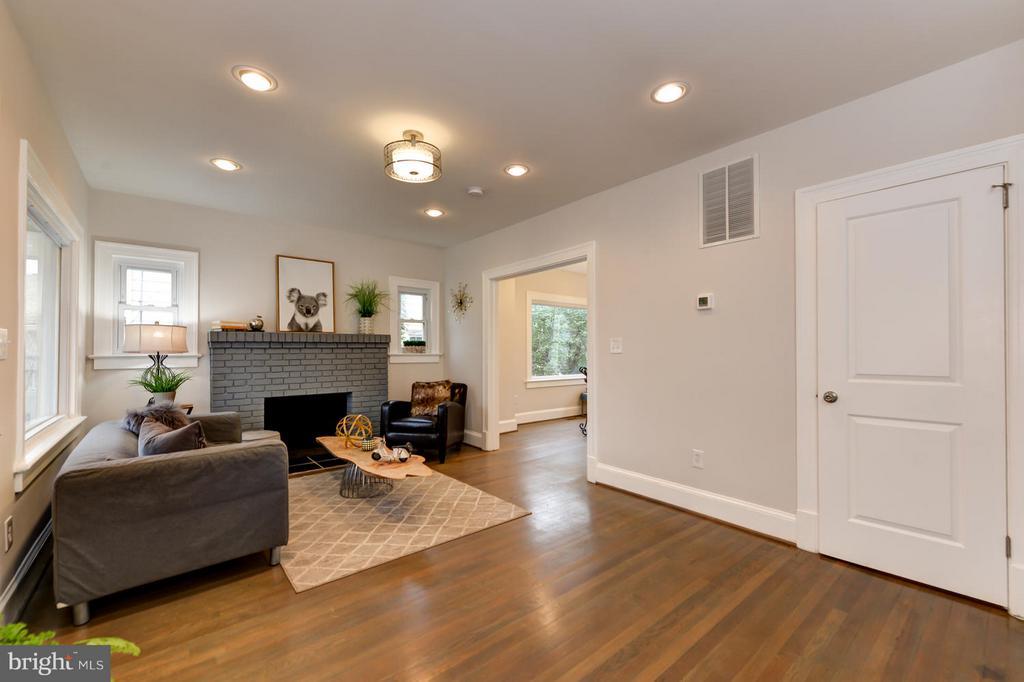 Living Room with Fireplace - 207 UNDERWOOD ST NW, WASHINGTON