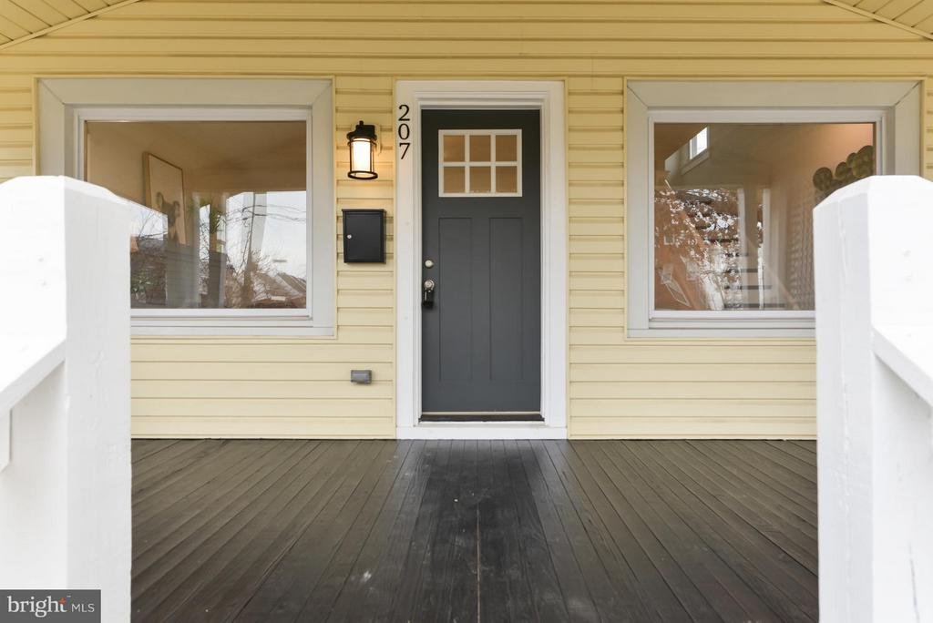 Another view of front porch - 207 UNDERWOOD ST NW, WASHINGTON