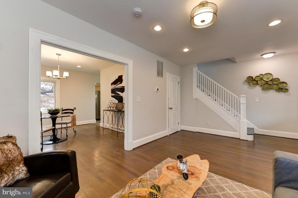 Living Room - 207 UNDERWOOD ST NW, WASHINGTON