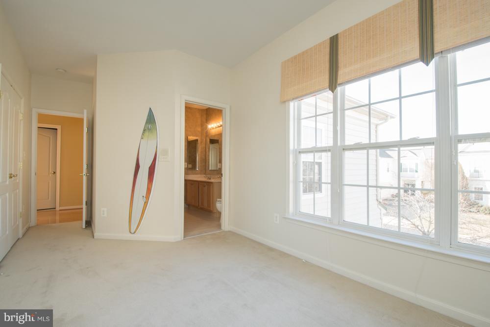 Bedroom 3 Entrance to Full Bath. - 21844 WESTDALE CT, BROADLANDS