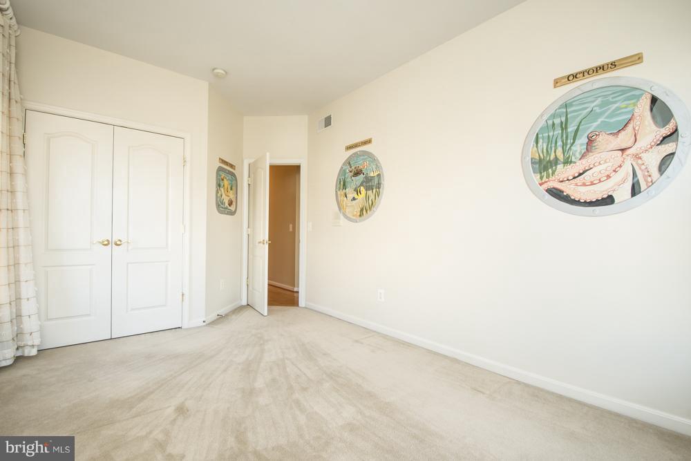 Bedroom 4 with Designer Details. - 21844 WESTDALE CT, BROADLANDS