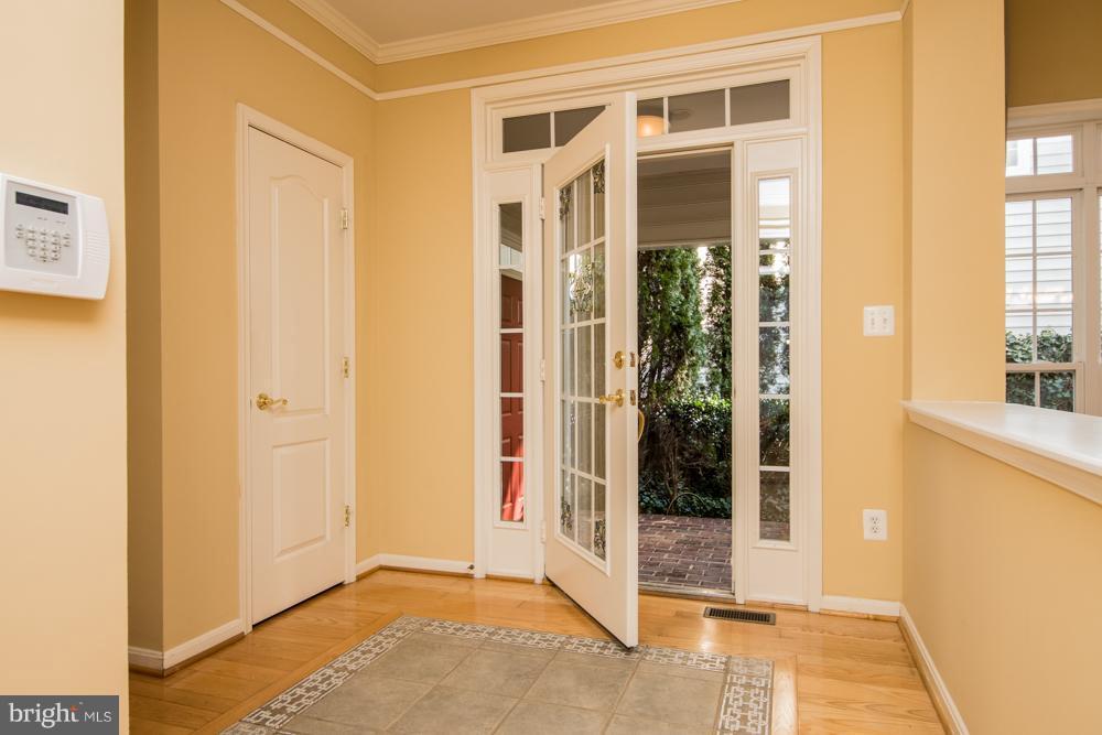Foyer - 21844 WESTDALE CT, BROADLANDS