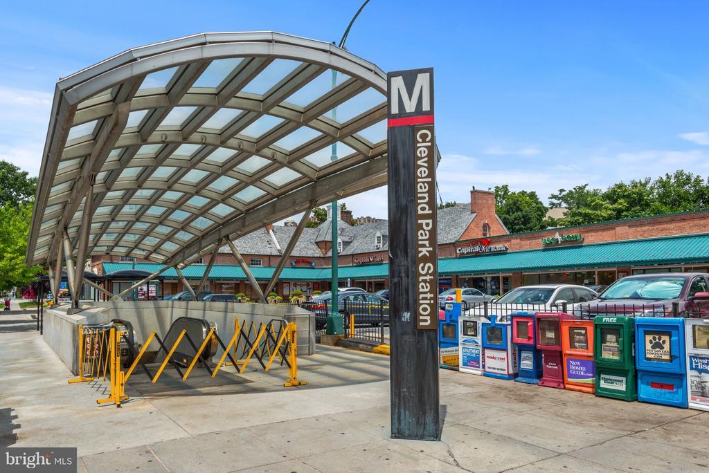 Steps to the Metro - 2755 ORDWAY ST NW #411, WASHINGTON