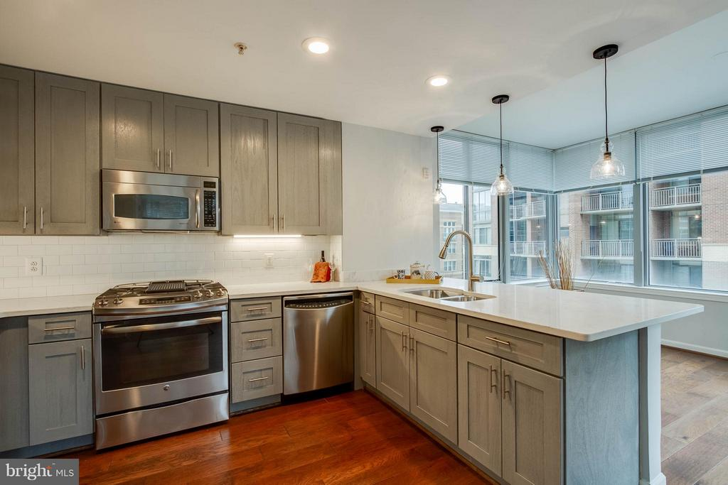Kitchen - 11990 MARKET ST #217, RESTON