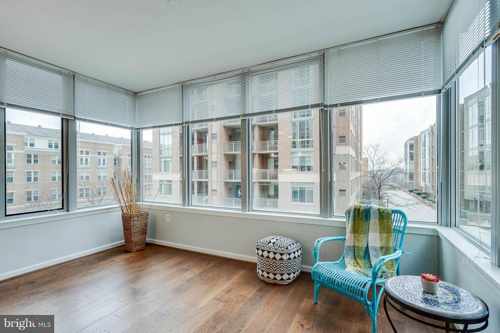 Sunroom - 11990 MARKET ST #217, RESTON