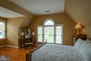- 41612 SWIFTWATER DR, LEESBURG