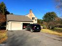 Garages/entrance to the house - 9421 CORNWELL FARM DR, GREAT FALLS