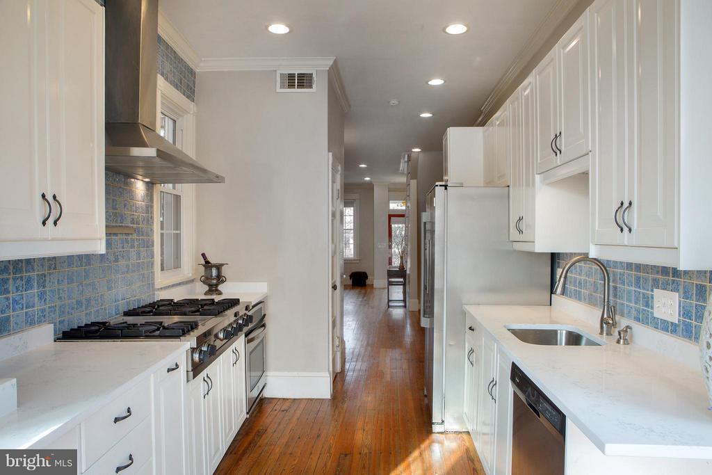 Kitchen - 1329 N CAROLINA AVE NE, WASHINGTON