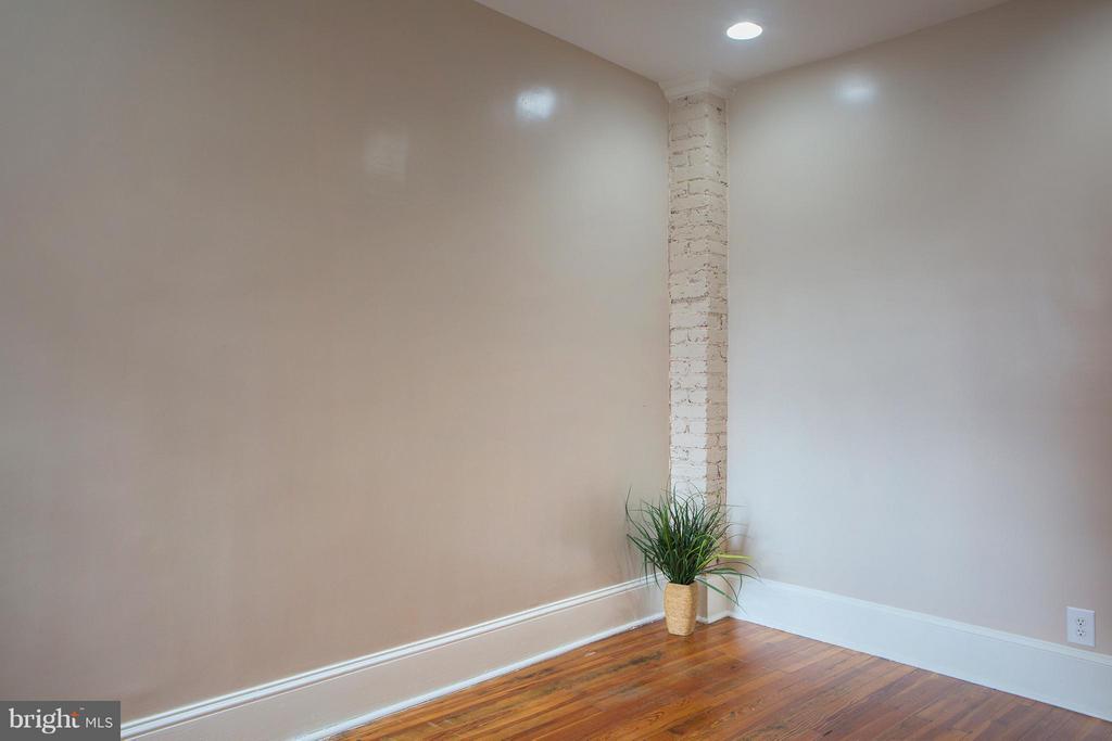 Middle Bedroom - 1329 N CAROLINA AVE NE, WASHINGTON