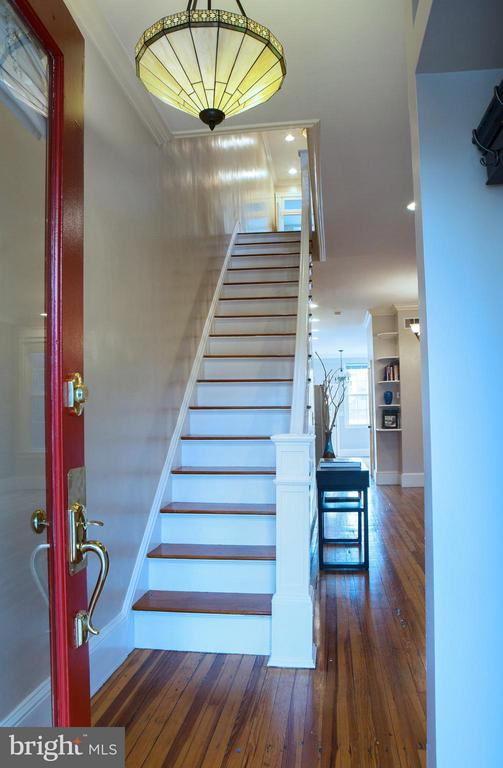 Entrance Foyer and Hall - 1329 N CAROLINA AVE NE, WASHINGTON