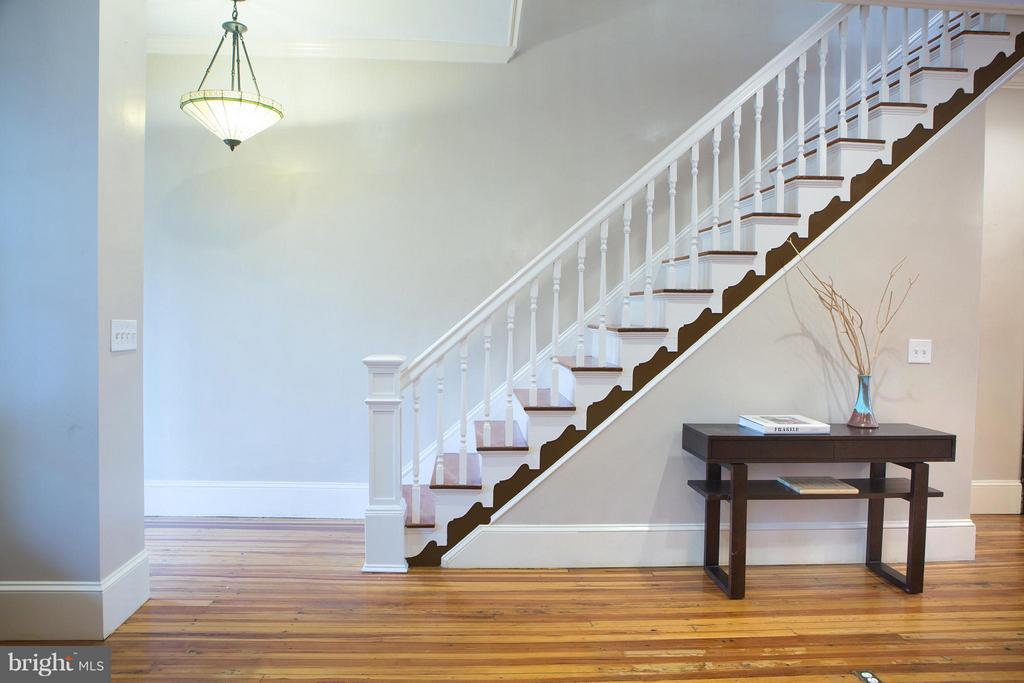 Entrance Foyer and Stairs UP - 1329 N CAROLINA AVE NE, WASHINGTON