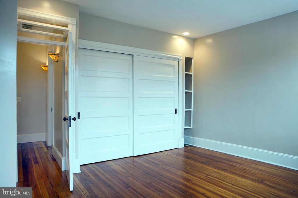 Front Bedroom - Double Closet w/ Updates - 1329 N CAROLINA AVE NE, WASHINGTON