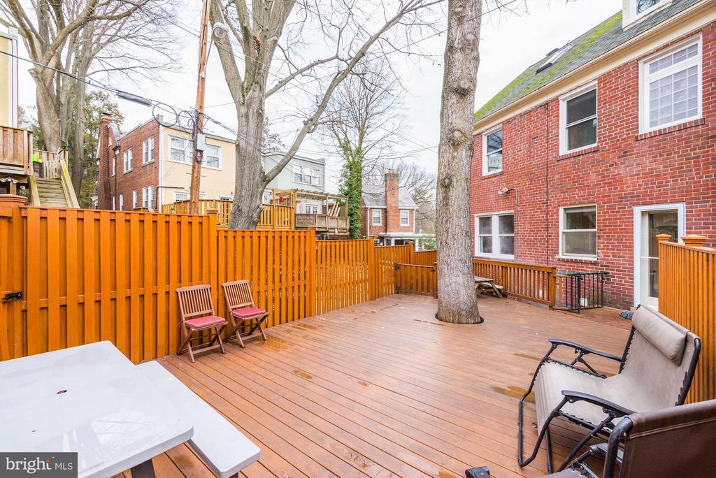 Fenced Rear Deck - 5224 NEBRASKA AVE NW, WASHINGTON