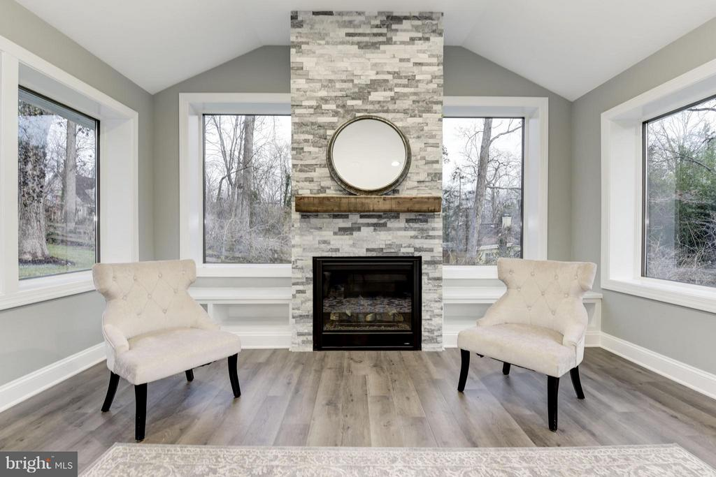 Stacked Stone Fireplace, Wood Mantle, Built-ins - 7821 FORT HUNT RD, ALEXANDRIA