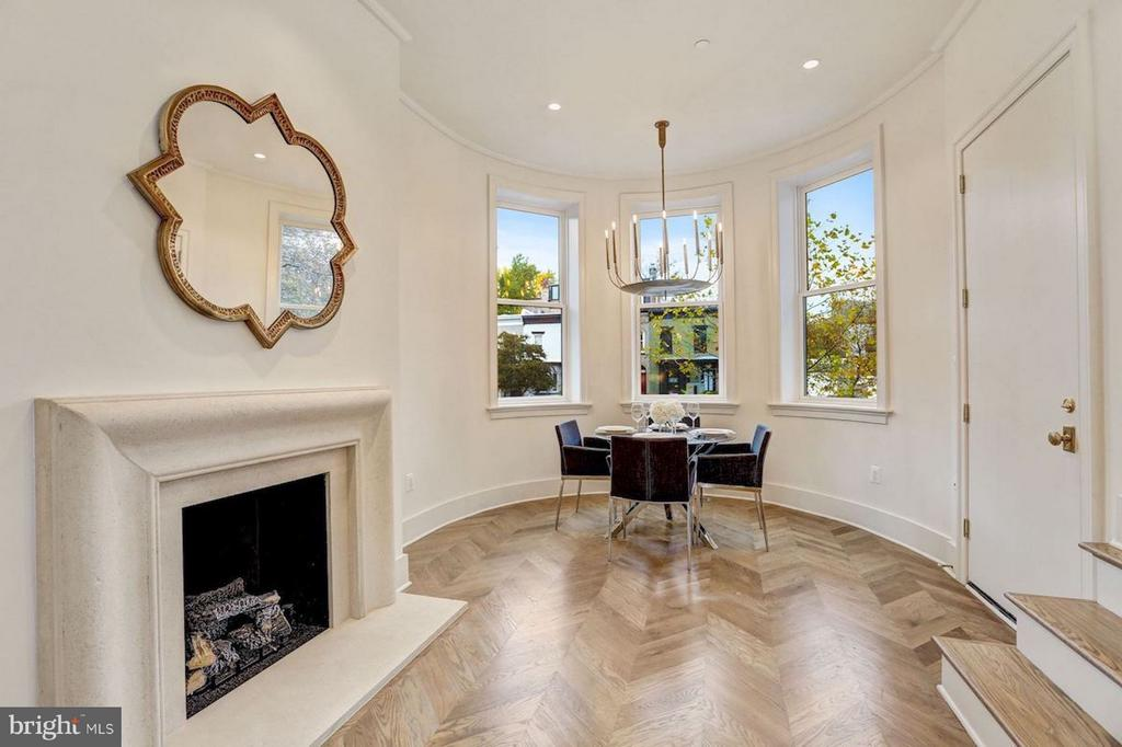 Entrance with Limestone Gas Fireplace - 1810 15TH ST NW #NORTH, WASHINGTON