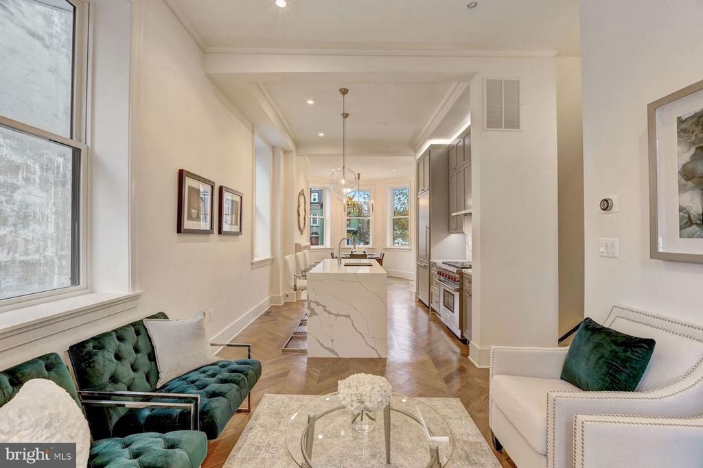 Open Floorplan Perfect for Entertaining - 1810 15TH ST NW #1, WASHINGTON