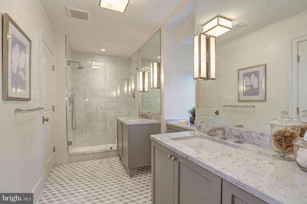 Master Shower - 1810 15TH ST NW #NORTH, WASHINGTON