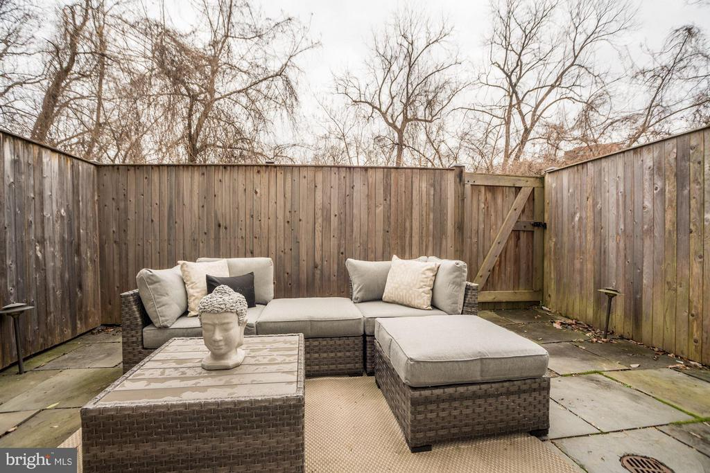Patio - 3249 SUTTON PL NW #C, WASHINGTON