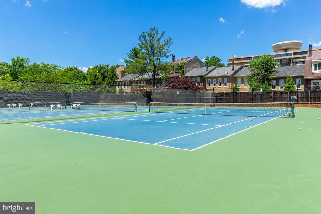 Racquet Club with Membership - 3249 SUTTON PL NW #C, WASHINGTON
