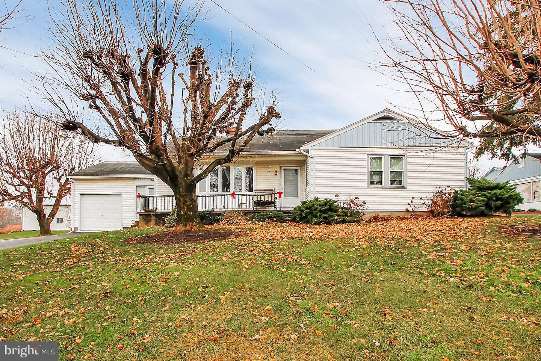 Single Family Homes για την Πώληση στο 5002 LINCOLN HWY W Thomasville, Πενσιλβανια 17364 Ηνωμένες Πολιτείες