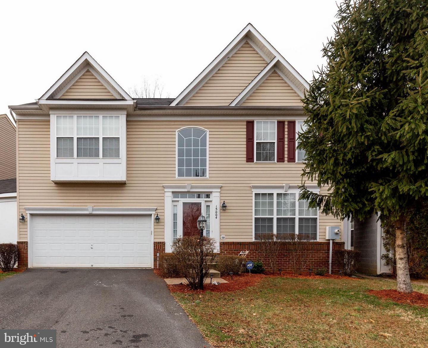 Single Family for Sale at 15004 Lutz Ct 15004 Lutz Ct Woodbridge, Virginia 22193 United States