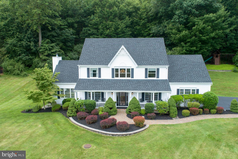 Villa per Vendita alle ore 17 SCARLET OAK Road Flemington, New Jersey 08822 Stati UnitiIn/In giro: Raritan Township