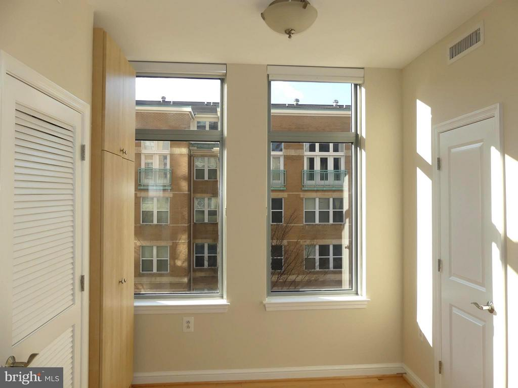- 11990 MARKET ST #215, RESTON