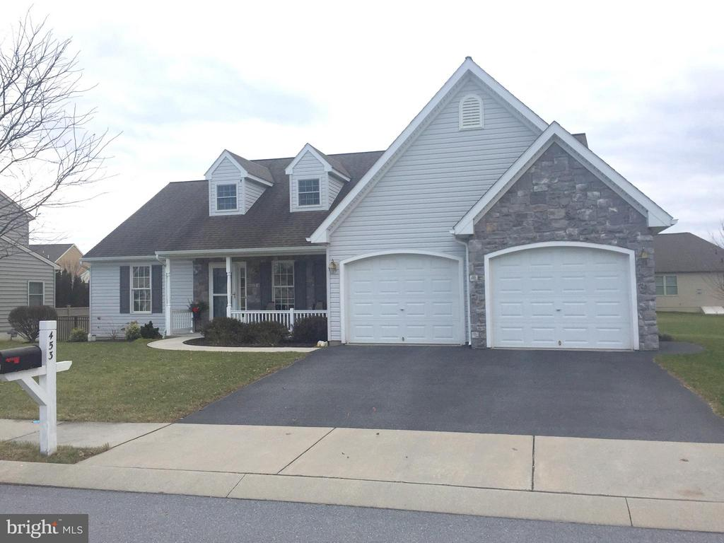 453  ZACHARY DRIVE, Manheim, Pennsylvania