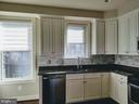 KITCHEN W/PLENTY OF NATURAL LIGHT - 3007 ESKRIDGE RD, FAIRFAX