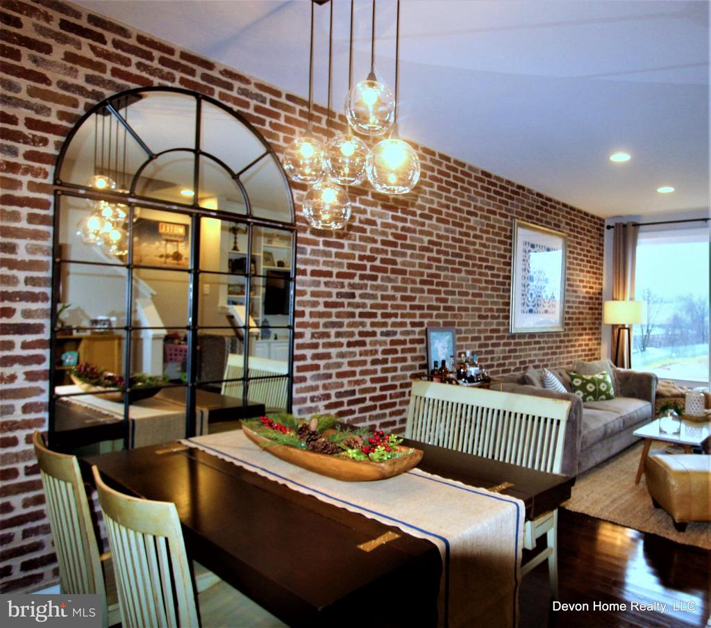 DINING-LIVING ROOM W/SOLID BRICK FEATURE WALL - 3007 ESKRIDGE RD, FAIRFAX