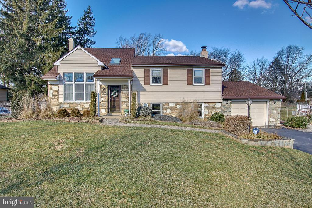 1114 ROBERTS AVE, Feasterville Trevose PA 19053