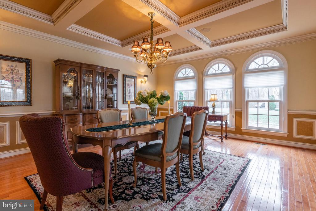 Dining Room with Coffered Ceilings - 3013 ROSE CREEK CT, OAKTON