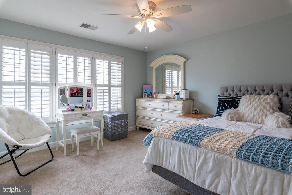 Bedroom Four with Ceiling Fan - 3013 ROSE CREEK CT, OAKTON