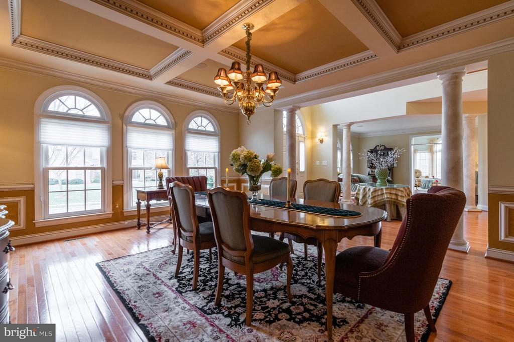 Dining Room with Palladium Windows - 3013 ROSE CREEK CT, OAKTON