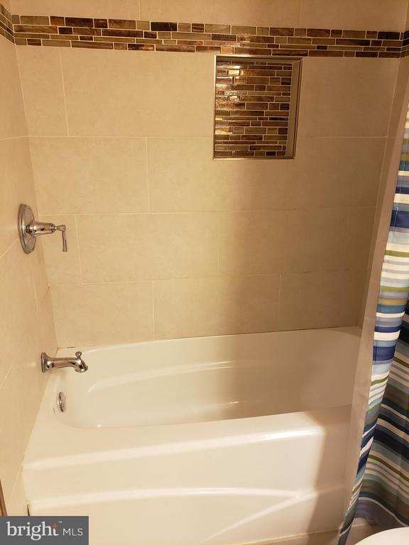 Upstairs  bathroom - 5109 TODDSBURY PL, DISTRICT HEIGHTS