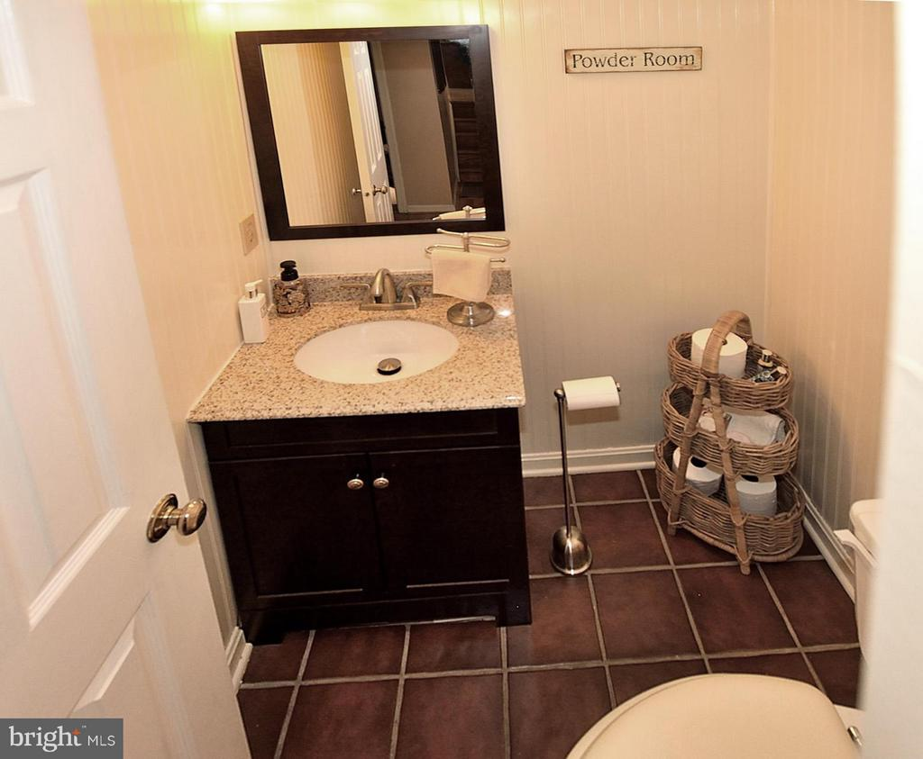 POWDER ROOM OFF REC ROOM - 9200 MACSWAIN PL, SPRINGFIELD