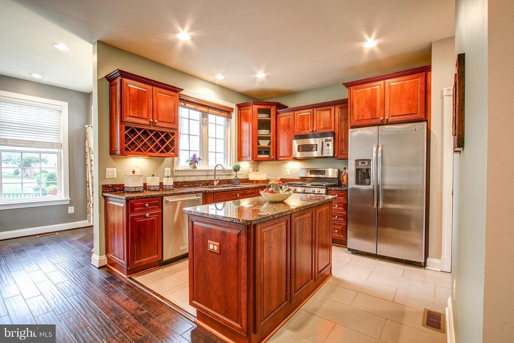 Gourmet kitchen - 47583 BLAWNOX TER, POTOMAC FALLS