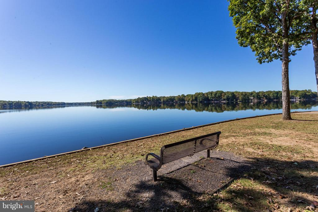 Spectacular View from the Point!!! - 1435 LAKEVIEW PKWY, LOCUST GROVE